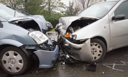 Scontro tra auto una persona grave