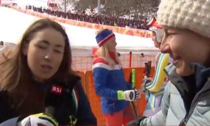 Goggia Gisin duetto in tv: la campionessa olimpica strappa il microfono e… VIDEO