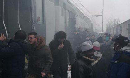 Fumo sul treno Milano-Mortara: ambulanze e carabinieri a Gaggiano