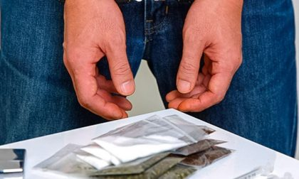 Trovato con sostanze stupefacenti i genitori ostacolano i controlli
