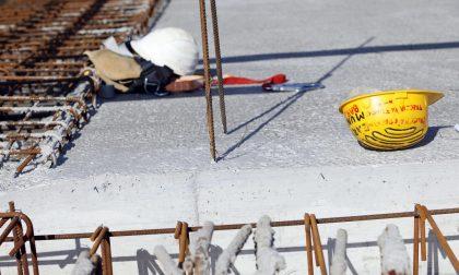 Incidente sul lavoro cade dalla cisterna, è grave