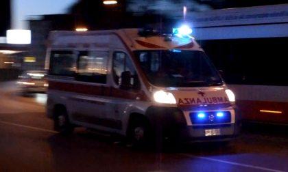 Incidente stradale 10 persone coinvolte, quasi tutti ragazzini SIRENE DI NOTTE