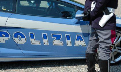 Guida senza patente 23enne beccato sferra calci ai carabinieri