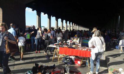 Mercatino Ri-Uso appuntamento con il vintage a Pavia