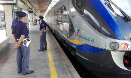 Aggredito e derubato del cellulare su un treno: denunciati tre minorenni
