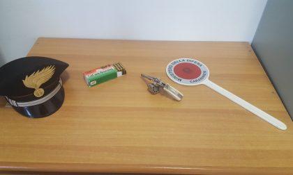 Pistola illegale in casa, arrestato pregiudicato