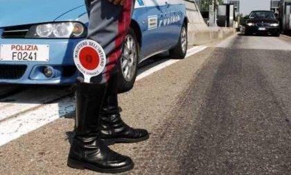 Tir serbo con documentazione irregolare, multa e fermo amministrativo