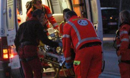 Scontro frontale tra due moto, tre feriti gravissimi