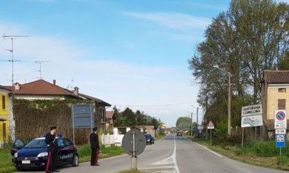 """Senza cintura di sicurezza: """"Ho cose più importanti da fare"""" e deride i Carabinieri"""