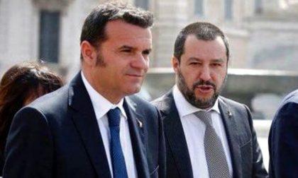 """Negozi chiusi la domenica: il ministro pavese Centinaio si mette """"di traverso"""""""