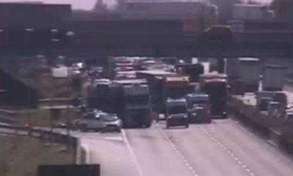 Autostrada A1 bloccata per incidente stradale FOTO