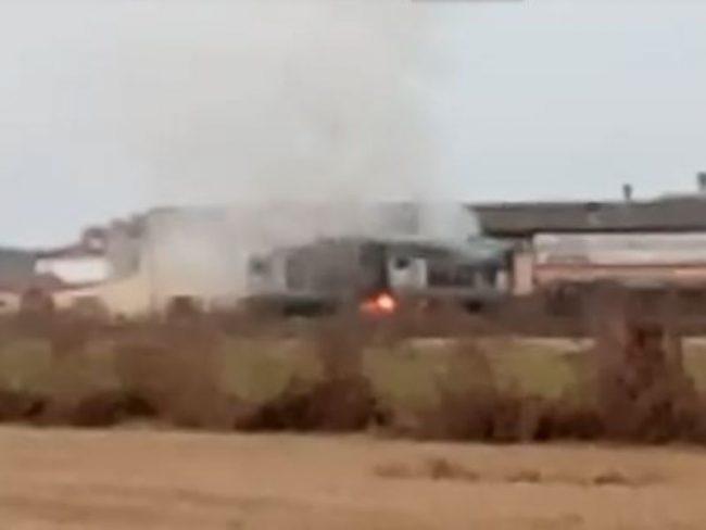 Treno merci carico di propilene prende fuoco in Lomellina VIDEO