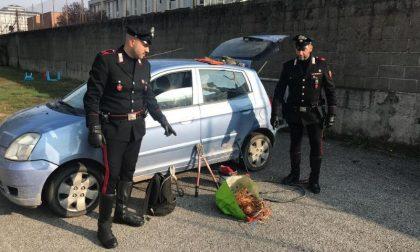 In auto con 10 chili di cavi di rame rubati: denunciati