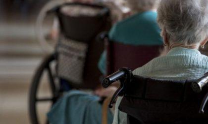 """Anziani sedati per affrontare turni di lavoro più """"leggeri"""""""