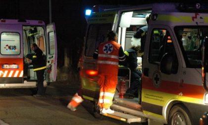 Auto ribaltata, una 23enne in ospedale SIRENE DI NOTTE
