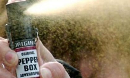 Spray al peperoncino a scuola, 49 ragazzi intossicati