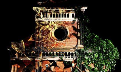 Shopping natalizio ammirando il video mapping in 3D sulla facciata del Duomo FOTO