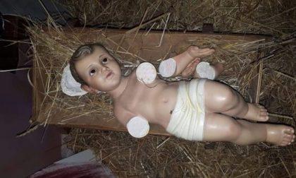 Vandalizzato Gesù Bambino, staccate le braccia alla statua del Presepe