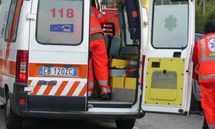 12enne cade dal balcone e muore sul colpo