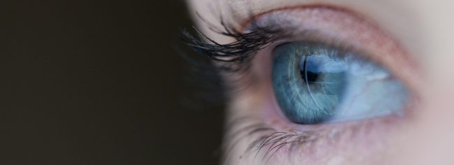 Operazione laser agli occhi, i pro e i contro