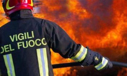 Furgone in fiamme sulla A7 all'altezza di Gropello: è doloso?