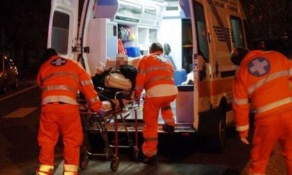 Contro un ostacolo con l'auto, soccorso 32enne SIRENE DI NOTTE