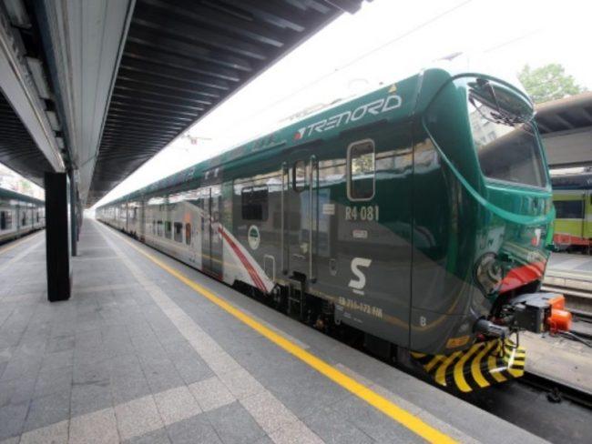 Donna travolta da un treno, è gravissima: ritardi fino a 60 minuti