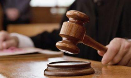 Falso certificato medico al boss, condannato a 10 anni oculista di Pavia