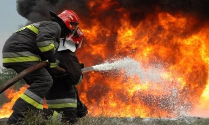 Bruciano i boschi dell'Oltrepò, caccia ai piromani