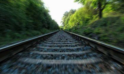Uomo travolto e ucciso da un treno a Broni