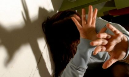 Adescata in rete, stuprata e filmata   Arrestati i quattro aguzzini