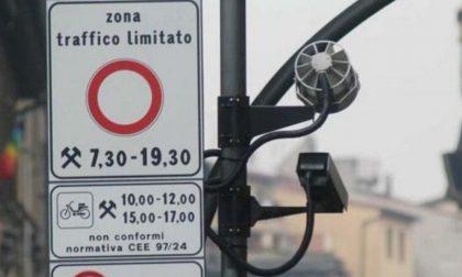 Accumula multe per 43mila euro tra ingressi in Ztl e semafori rossi