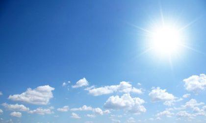 Previsioni meteo Pavia, il sole resiste e arriva il vento a lenire lo smog
