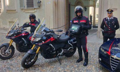 """In dotazione ai Carabinieri 15 defibrillatori grazie a """"Pavia nel cuore Onlus"""" FOTO"""