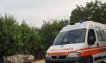 Tenta il suicidio impiccandosi ad un albero: salvato in extremis