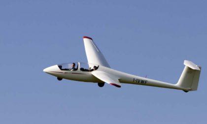 Turbolenza in quota, aliante effettua atterraggio d'emergenza