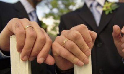 Lui muore, il marito chiede la pensione di reversibilità e la ottiene