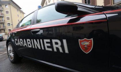 In caserma per un controllo aggredisce i carabinieri e distrugge gli uffici: arrestato