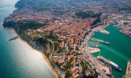 Tragico incidente sul lavoro, pavese ucciso da un cavo d'acciaio al porto di Ancona
