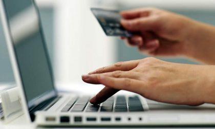 Dopo il ricorso al Tar dei sindacati stop all'e-commerce (non essenziale) in Lombardia