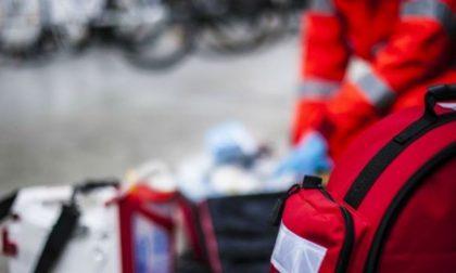 Terribile schianto tra auto e moto a Castelletto: due morti