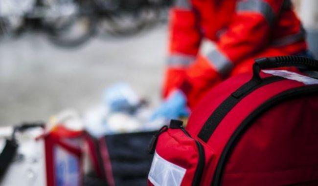 85enne in bici cade e sbatte la testa a Mortara: gravissimo
