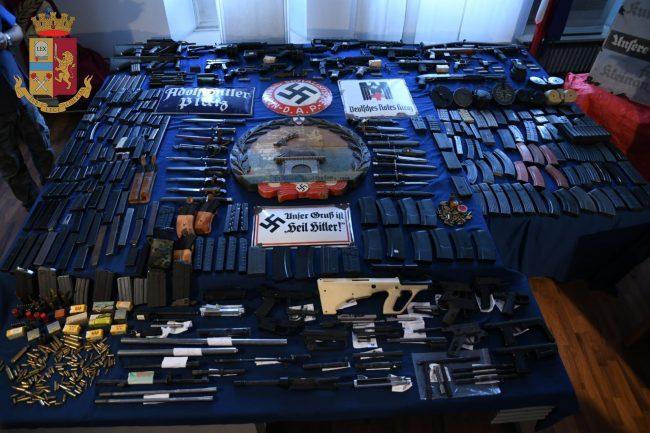 Ex candidato di FN in possesso di missile e arsenale da guerra 3 arresti e perquisizioni anche a Pavia 3
