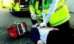 Colpito da infarto in strada: i carabinieri gli fanno il massaggio cardiaco e lo salvano