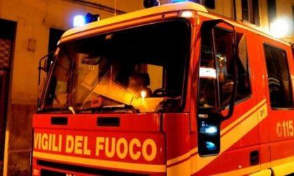 Due auto a fuoco in via Ubicini: incendio doloso