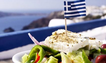 Sapori di Grecia in piazza San Bovo a Voghera