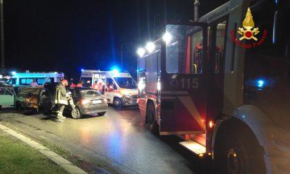 Schianto frontale tra due auto a San Martino: 3 feriti FOTO