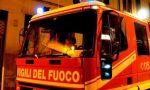 Petardo colpisce balcone e l'appartamento va a fuoco: salva la proprietaria