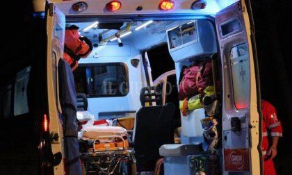 Incidente stradale a Bosnasco, auto finisce contro ostacolo SIRENE DI NOTTE