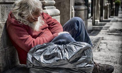 """L'appello della CRI di Pavia: """"Servono indumenti invernali per i senzatetto"""""""